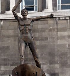 """meet under a statue exceedingly bare.in my Liverpool home"""" Dickie Lewis Liverpool Town, Liverpool History, Liverpool England, Entrance Songs, Wedding Entrance, Main Entrance, Beatles, Most Beautiful Cities, Travel Memories"""