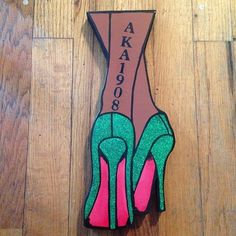AKA wall art.. I don't like the 1908 placement but the heels are cute