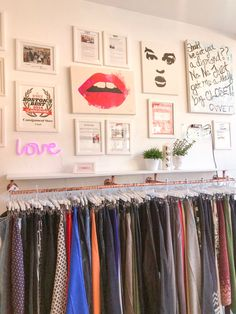 Consignment Store Displays, Clothing Store Displays, Consignment Shops, Clothing Store Interior, Clothing Store Design, Boutique Interior, Vintage Clothing Display, Vintage Clothing Stores, Garage Boutique
