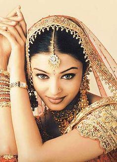 bollywood themarriedapp.com hearted <3 #bollywoodbride #indianwedding #desi #hinduwedding