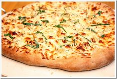 Chicken Alfredo Pizza topped with a lightened up homemade Alfredo sauce and chicken. All the favors of an Alfredo pasta dish, but in pizza form! Pizza Recipes, Chicken Recipes, Cooking Recipes, Alfredo Recipe, Homemade Alfredo, Alfredo Sauce, Make Sour Cream, Chicken Alfredo Pizza, Pizza Day