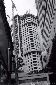 Construccion de las Torres gemelas de parque central