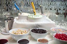 Barra de helados http://boda20.com/2013/03/21/otras-ideas-dulces-de-gofres-a-algodon-de-azucar/