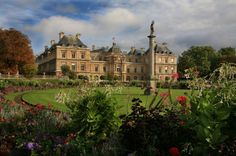 Image from http://www.gothereguide.com/Images/France/Paris/Luxembourg_Gardens_paris.jpg.