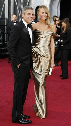 Red Carpet Oscars 2012 - George Clooney y Stacy Keibler George Clooney, Oscar Dresses, Evening Dresses, Stacey Keibler, Beautiful Dresses, Nice Dresses, Oscars 2012, Marchesa Gowns, Red Carpet Hair