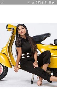 Girls Run The World, Famous Youtubers, Scooter Girl, Indian Teen, Teen Actresses, Running, Dancers, People, Fan