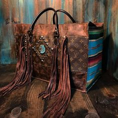 Znalezione obrazy dla zapytania: how to set stone in leather Cowgirl Bling, Cowgirl Style, Leather Purses, Leather Handbags, Cowhide Bag, Western Purses, Boho Bags, Cute Bags, Beautiful Bags