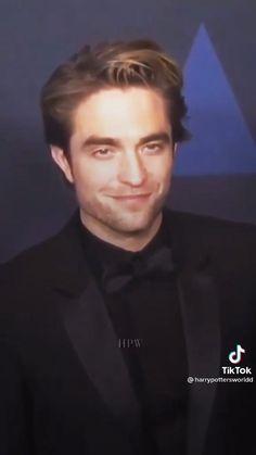 Twilight Videos, Twilight Book, Twilight Photos, Harry Potter Feels, Harry Potter Actors, Harry Potter Aesthetic, Twilight Bella And Edward, Friendship Songs, Robert Pattinson Twilight