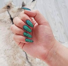 Pixel Effect Emerald Black __________________ Nails: Pielęgnacja, makijaż i styl życia Green Nail Art, Green Nails, Black Nails, Beauty Nails, Hair Beauty, Dream Catcher Nails, Indigo Nails, Best Salon, Dope Nails