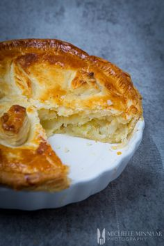 Lancashire Butter Pie - a traditional recipe with potato and onion filling - Lancashire Butter Pie is perfect comfort food for a cold, wet and miserable winter& day. Wrap Recipes, Potato Recipes, Pie Recipes, Cooking Recipes, Recipies, Recipes With Potatoes, Cooking Bacon, Pastry Recipes, Quick Recipes