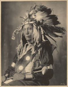 "back-then: ""High Hawk, Sioux Adolph F. Muhr Frank A. Rinehart 1898 - 1900 Source: J. Native American Beauty, Native American Photos, Native American Tribes, Native American History, American Indians, American Art, American Clothing, Sioux, Kings & Queens"