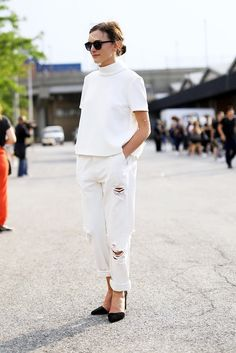 White-on-white // low bun, mock neck top, ripped jeans & pumps #style #fashion #streetstyle