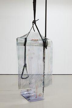 """29.09.13-23.02.14   """"Ich denke, es ist interessanter, über das Material zu sprechen, das die Arbeit determiniert, als über die Identität des Künstlers..."""" Pamela Rosenkranz   In einer Welt voll von generierten…"""