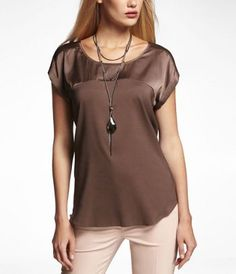 CONTRAST FABRIC SHORT SLEEVE EASY TOP at Express #ExpressHoliday