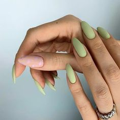 JINDIN Black Matte French Fake Nails Pre Design Long Fake Nail Full Cover for Women Salon Home Manicure Art 24 pcs/set - Cute Nails Club - Wanderlust Matte Green Nails, Matte Nails, Acrylic Nails, Glitter Nails, Coffin Nails, Burgendy Nails, Oxblood Nails, Magenta Nails, Nails Turquoise