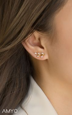 Tiny Star Earrings/ Diamond Star Earrings in Solid Gold/ Tiny Diamond Earrings/ Tiny Stud Earrings/ Tiny Diamond Studs/ Simple Earrings/ Minimalist She truly is the light of your life. Ear Jewelry, Cute Jewelry, Gold Jewelry, Jewellery, Silver Bracelets, Silver Ring, Tiny Stud Earrings, Crystal Earrings, Diamond Earrings