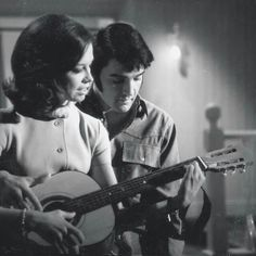 """takingcare-of-business: """"Elvis Presley and Mary Tyler Moore in Change Of Habit """" Elvis And Priscilla, Lisa Marie Presley, Priscilla Presley, Elvis Presley Movies, Elvis Presley Photos, Vintage Hollywood, In Hollywood, Classic Hollywood, Mary Taylor Moore"""