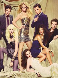 'Gossip Girl can be right about you all she wants, but I won't let her be right about me. I won't be weak anymore.'- Blair Waldorf. In this photo L>R Dan Humphrey (Penn Badgely), Jenny Humphrey (Taylor Momsen), Serena Van Der Woodsen (Blake Lively), Blair Waldorf (Leighton Meester), Vanessa Abrams (Jessica Szhor), Chuck Bass (Ed Westwick), Nate Archibald (Chace Crawford). Xo Xo, Gossip Girl.