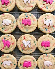 These Circus Animal Sugar Cookies from the blog archives are a great excuse to eat cookies (with cookies on top). Double the cookie, double the fun. Terry Allen, Beef Empanadas, Sugar Cookies, Desserts, Blog, Animals, Eat, Tailgate Desserts, Deserts