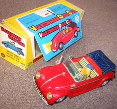 """""""Masudaya VW Toys"""". Japanese vintage collector battery operated VW toys, manufactured by Masudaya. More to see at: http://beetle.cabriolets.online.fr/nucleus/index.php?itemid=2553"""