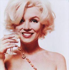 Marilyn Monroe - Drinking champagne - 1962 - Photo by Bert Stern