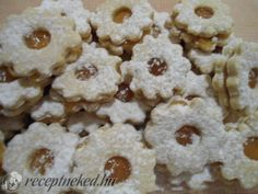 Linzer karika Cereal, Cookies, Breakfast, Desserts, Food, Cakes, Breakfast Cafe, Tailgate Desserts, Biscuits