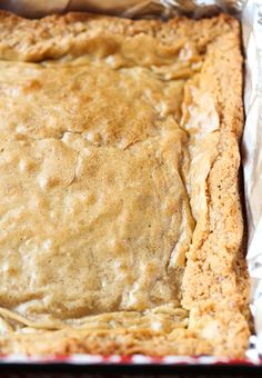 These Chewy Coconut Bars are so simple, sweet, perfectly chewy and loaded with natural coconut flavor. I love them so much I could eat one every day! 13 Desserts, Coconut Desserts, Coconut Bars, Coconut Recipes, Baking Recipes, Cookie Recipes, Delicious Desserts, Dessert Recipes, Bar Recipes