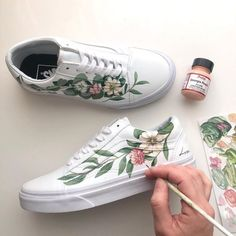 Painted Canvas Shoes, Custom Painted Shoes, Painted Sneakers, Hand Painted Shoes, Painted Clothes, Custom Shoes, Hype Shoes, Shoe Art, Custom Sneakers