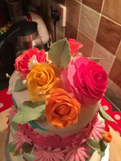 Close up of the top cake tier