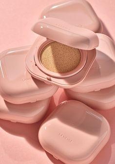 Best Korean Makeup, Makeup Materials, Cosmetic Containers, Laneige, Blusher, Aesthetic Makeup, Makeup Foundation, Beauty Supply, Makeup Collection