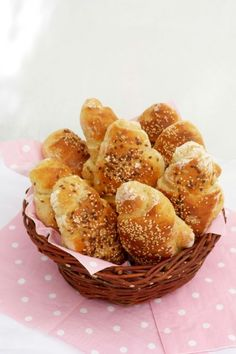 Krumplis stangli Hungarian Recipes, Hungarian Food, Croissant, Pain, Starters, Entrees, Muffin, Food And Drink, Bread