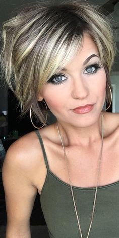 99 Modern Short Hairstyles Ideas For Women In 2019 frisuren frauen frisuren männer hair hair styles hair women Layered Haircuts For Women, Popular Short Haircuts, Modern Short Hairstyles, Layered Bob Hairstyles, Medium Haircuts, Formal Hairstyles, Hairstyles Haircuts, Modern Haircuts, Pretty Hairstyles