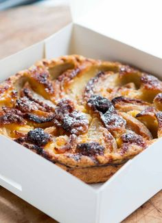 Looking for a great Apple Tart in Paris? This one won the award for the Best in the City, justifiably. Tart Recipes, Sweet Recipes, Snack Recipes, Dessert Recipes, Cooking Recipes, Apple Tart Recipe, Savory Tart, Sweet Pastries, Apple Slices