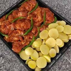 Baked chicken potatoes are very practical, we feed .- Baked chicken potatoes are very practical, we often feed … - Shellfish Recipes, Meat Recipes, Seafood Recipes, Chicken Recipes, Chicken Potatoes, Baked Chicken, Tandoori Chicken, Italian Chicken Dishes, Turkish Recipes