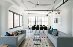 home Staging Living Room - Decorating Tips To Update Your Living Room. Interior Design Business, Living Room Interior, Interior Design Living Room, Interior Decorating, Decorating Ideas, Decor Ideas, Interior Designing, Interior Modern, Modern Sofa