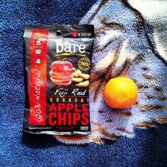 Don't compare apples and oranges...just eat them both! #orangeyougladforbare #applechips #baresnackattack #fruits #healthysnacks #vegan #nongmo #baresnacks