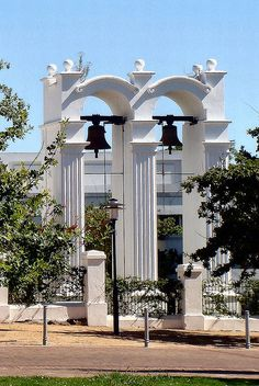 Bells to End and to Begin. Stellenbosch, South Africa https://www.pinterest.com/mausby/south-africa-home-including-neighbours/