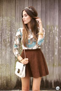 cute crown with casual chic outfit