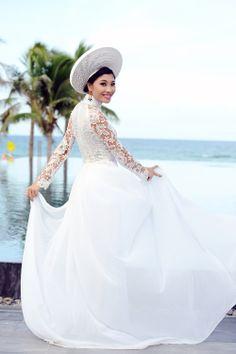Wedding Ao Dai.. thats one way to do a hybrid dress..