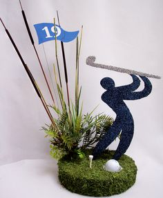Centerpiece for a Sports Banquet or Golf Event. Golf Table Decorations, Sports Centerpieces, Banquet Centerpieces, Graduation Centerpiece, Diy Centerpieces, Golf Events, Golf Flag, Golf Outing, Golf Theme