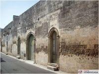 L'agenzia Immobiliare Salento Vendocasa vende palazzotto a Bagnolo del Salento, a pochi minuti da Otranto.