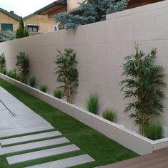 50 Fabulous Side Yard Garden Design Ideas And Remodel - DIY Gartengestaltung Side Yard Landscaping, Home Landscaping, Patio Decks, Landscaping Design, Patio Fence, Fence Garden, Landscaping Software, Garden Bed, Modern Garden Design