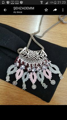 This Pin was discovered by Ayş Needle Lace, Crochet Necklace, Jewelry Making, Pendants, Womens Fashion, Earrings, How To Make, Silver Jewellery, Necklaces