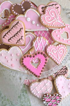 Valentines decorated cookies