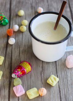 Sinterklaas : Warme witte chocolade kokosmelk | Chocolademelk | Sinterklaasrecept | Taste Our Joy!