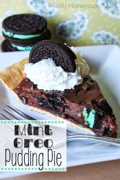 Mint Oreo Pudding Pie Recipe ~ my favorite mint cookies in a chocolate pudding and topped with whipped cream - easy and delicious, perfect for St. Patty's Day!