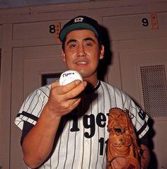 Hanshin Tigers, Baseball Pictures, Baseball Players, Athlete, Japan, Sports, Free, Hs Sports, Baseball Photos
