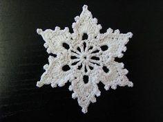 Gratis hæklet snefnug mønster..