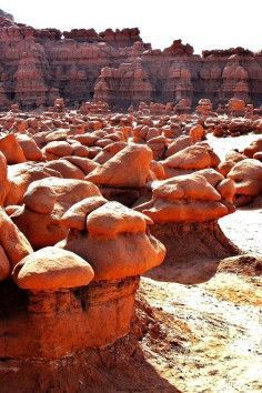 Goblin Valley State Park is a State Park in Green River. Plan your road trip to Goblin Valley State Park in UT with Roadtrippers. Banff National Park, National Parks, The Places Youll Go, Places To See, Bryce Canyon, State Parks, Arches Nationalpark, Death Valley, Utah Vacation