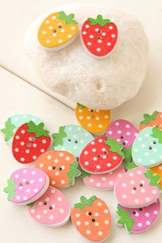 Small strawberry candy colored wooden flower cloth button two sub-DIY handmade accessories garment accessories 1 yuan 3 - Taobao